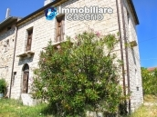 Semi-detached country house on two levels in Casalanguida 2