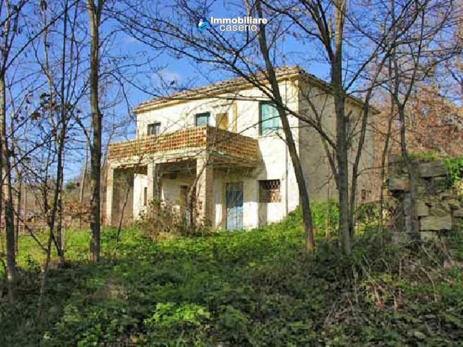 Cottage for sale to be restored, low price, in Palmoli, Abruzzo