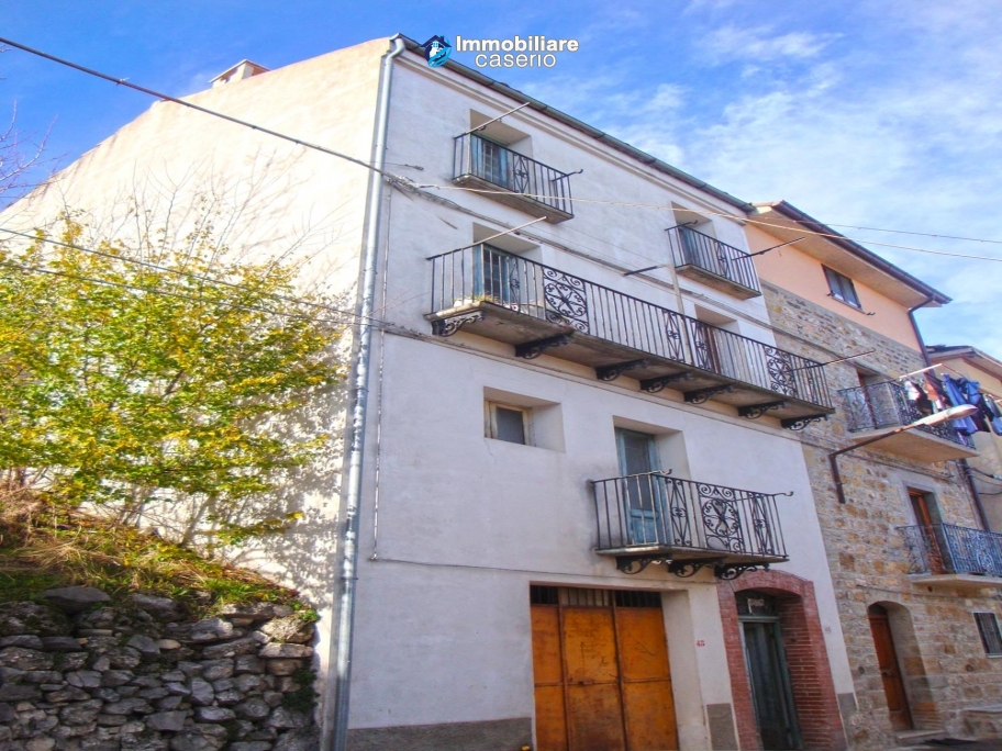 Town House For Sale In Montazzoli Italy Italy Abruzzo