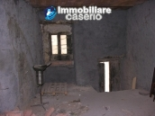 Stone town house to restore in Casalanguida 10
