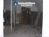Stone town house to restore in Casalanguida 13