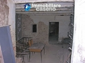 Stone town house to restore in Casalanguida 14