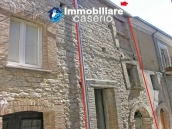 Stone town house to restore in Casalanguida 17
