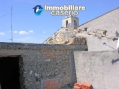 Stone town house to restore in Casalanguida 6