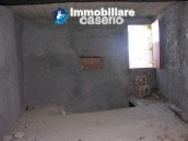 Stone town house to restore in Casalanguida 9