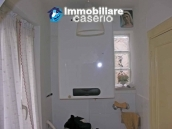 Portion of country house with land  in Schiavi d'Abruzzo 10