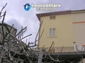 Portion of country house with land  in Schiavi d'Abruzzo 3