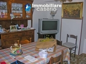 Portion of country house with land  in Schiavi d'Abruzzo 7