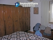 Portion of country house with land  in Schiavi d'Abruzzo 8