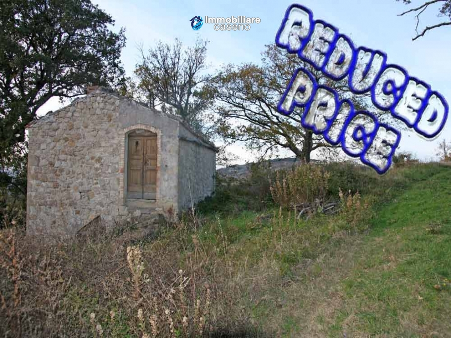 Stone house with an acre of land for sale in Palmoli, Abruzzo