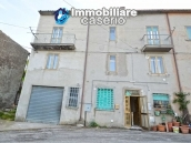 Large house with garage for sale in the Province of Chieti, village Liscia 1