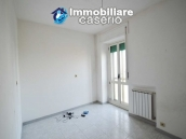 Large house with garage for sale in the Province of Chieti, village Liscia 11