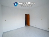 Large house with garage for sale in the Province of Chieti, village Liscia 16