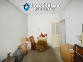 Large house with garage for sale in the Province of Chieti, village Liscia 23