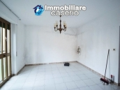 Large house with garage for sale in the Province of Chieti, village Liscia 8