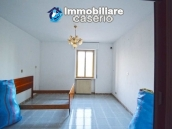 Large house with garage for sale in the Province of Chieti, village Liscia 9