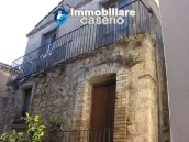 Town house in need of renovation in San Giovanni Lipioni 1