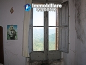 Town house in need of renovation in San Giovanni Lipioni 10
