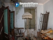 Town house in need of renovation in San Giovanni Lipioni 11