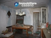 Town house in need of renovation in San Giovanni Lipioni 13