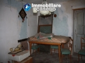 Town house in need of renovation in San Giovanni Lipioni 15