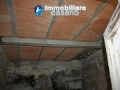 Town house in need of renovation in San Giovanni Lipioni 17