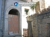 Town house in need of renovation in San Giovanni Lipioni 6