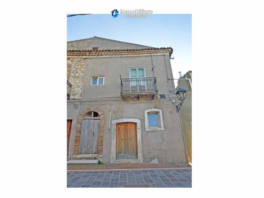 Refurbished town house in Dogliola village
