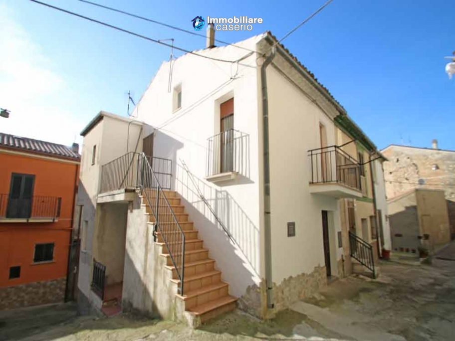 Two storey town house for sale in Montenero di Bisaccia