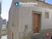 Town house on two levels for sale in San Giovanni Lipioni 10