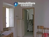 Town house on two levels for sale in San Giovanni Lipioni 4