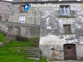 House on three levels for sale in Montazzoli, Chieti 1