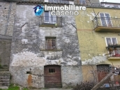House on three levels for sale in Montazzoli, Chieti 2