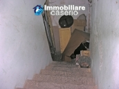 Town house on three levels for sale in Montazzoli 15