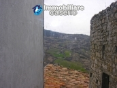 Town house on three levels for sale in Montazzoli 20
