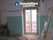 Town house on three levels for sale in Montazzoli 5