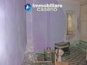 Town house on three levels for sale in Montazzoli 8
