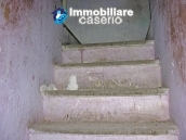 Town house on three levels for sale in Montazzoli 9
