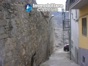 Stone town house on two levels for sale in Montazzoli 5