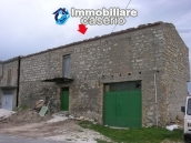 Stone building on two levels for sale in Abruzzo 2