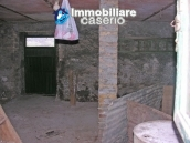 Stone building on two levels for sale in Abruzzo 9