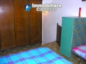 Stone house with garden for sale in Montazzoli 11