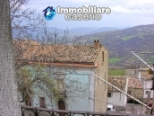 Stone house with garden for sale in Montazzoli 12