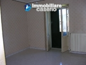 Town house with three indipendent apartments for sale in Abruzzo 10
