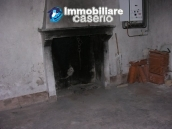 Town house with three indipendent apartments for sale in Abruzzo 17