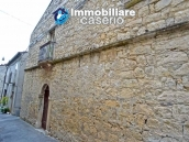 Old stone house with views of the hills for sale in Guilmi, Chieti 1
