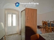 Old stone house with views of the hills for sale in Guilmi, Chieti 5