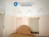 Old stone house with views of the hills for sale in Guilmi, Chieti 8