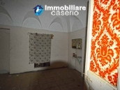 Old stone house with views of the hills for sale in Guilmi, Chieti 9