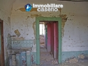 Countryhouse with 3 hectares of land in Salcito, Molise! 12